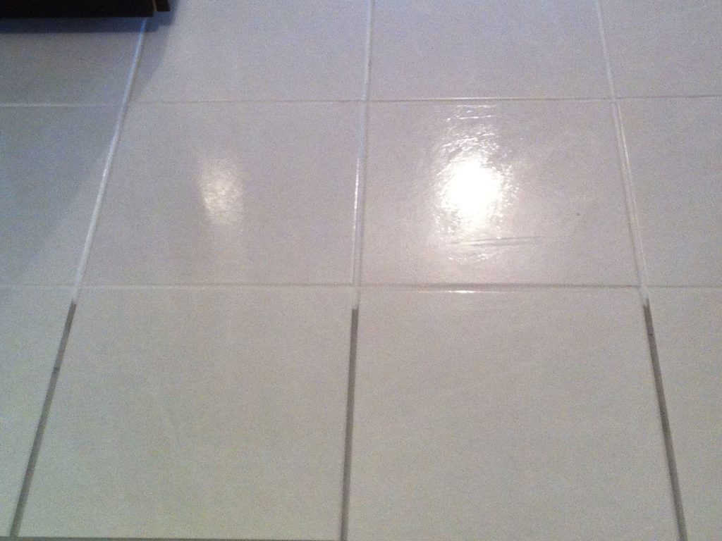 How to take up floor tiles